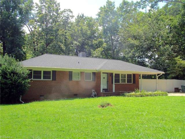 5805 Woodcliff Drive, Greensboro, NC 27410 (MLS #992262) :: Team Nicholson