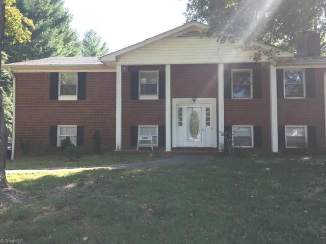 4731 Forest Manor Drive, Winston Salem, NC 27103 (MLS #993059) :: Berkshire Hathaway HomeServices Carolinas Realty