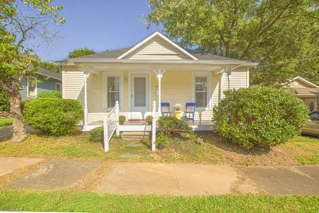 2125 Konnoak View Drive, Winston Salem, NC 27127 (MLS #993268) :: Greta Frye & Associates | KW Realty Elite