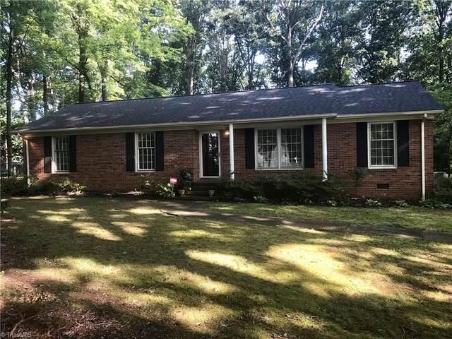 2706 Cromwell Road, Greensboro, NC 27407 (MLS #993806) :: Greta Frye & Associates | KW Realty Elite