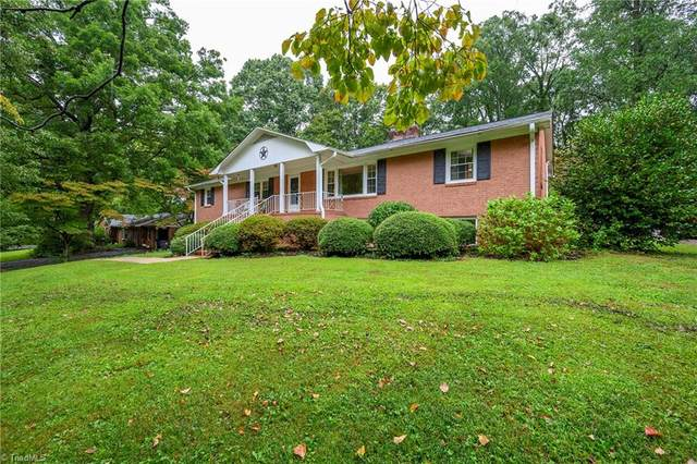 2671 Greencrest Drive, Winston Salem, NC 27106 (#994060) :: Premier Realty NC