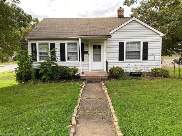 3911 Fritz Street, Winston Salem, NC 27104 (MLS #994288) :: Berkshire Hathaway HomeServices Carolinas Realty