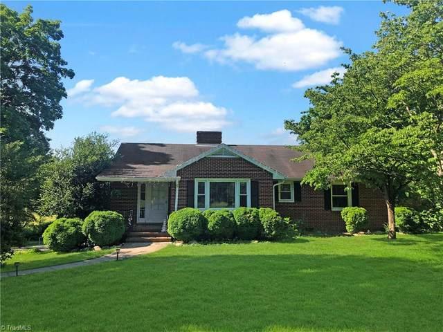 4130 Aquadale Lane, Winston Salem, NC 27104 (MLS #996732) :: Ward & Ward Properties, LLC