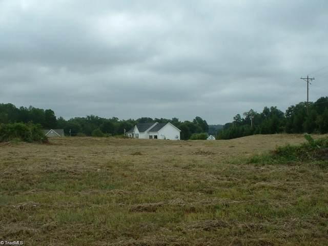 108 Cedarwood Place, Mocksville, NC 27028 (MLS #996773) :: Ward & Ward Properties, LLC