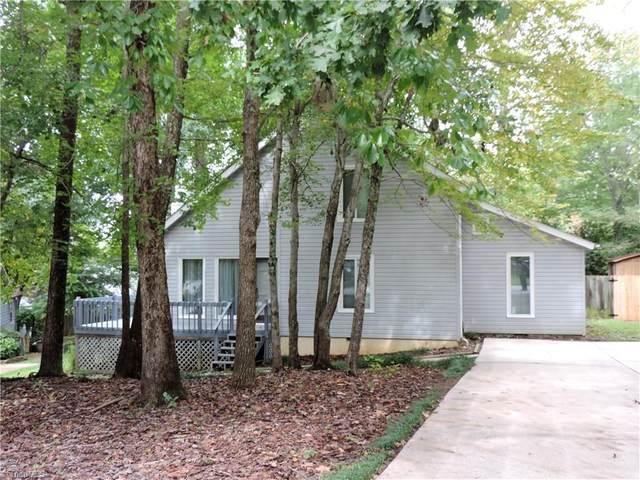 304 Lakeside Court, Kernersville, NC 27284 (MLS #996782) :: Berkshire Hathaway HomeServices Carolinas Realty