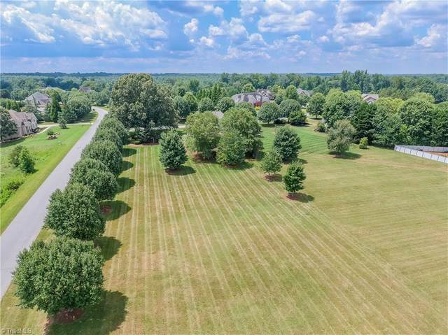 511 Mashie Drive, Summerfield, NC 27358 (#996985) :: Mossy Oak Properties Land and Luxury