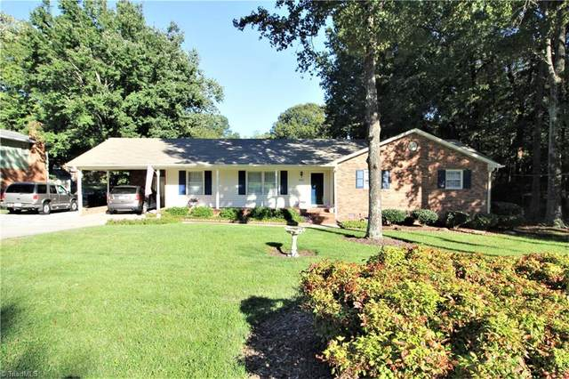 2407 Mowbray Trail, Greensboro, NC 27407 (MLS #997264) :: Lewis & Clark, Realtors®