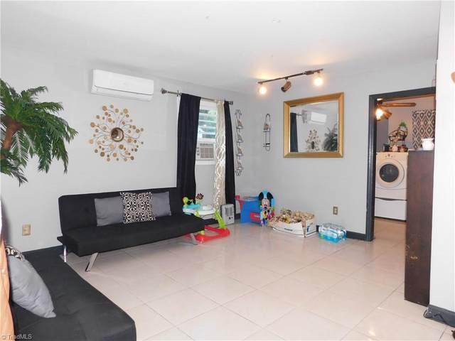 1313 Joyce Street, Greensboro, NC 27405 (MLS #999272) :: Berkshire Hathaway HomeServices Carolinas Realty