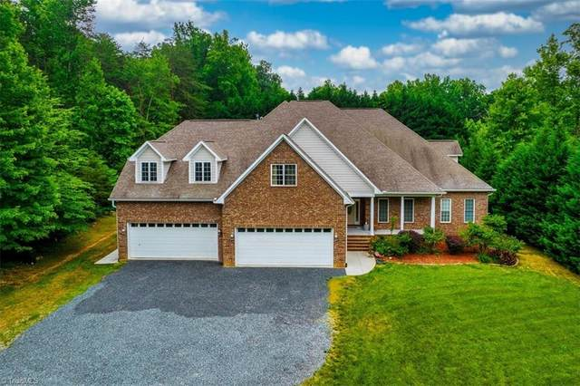 1208 Enchanted Forest Drive, Browns Summit, NC 27214 (MLS #1026084) :: Lewis & Clark, Realtors®