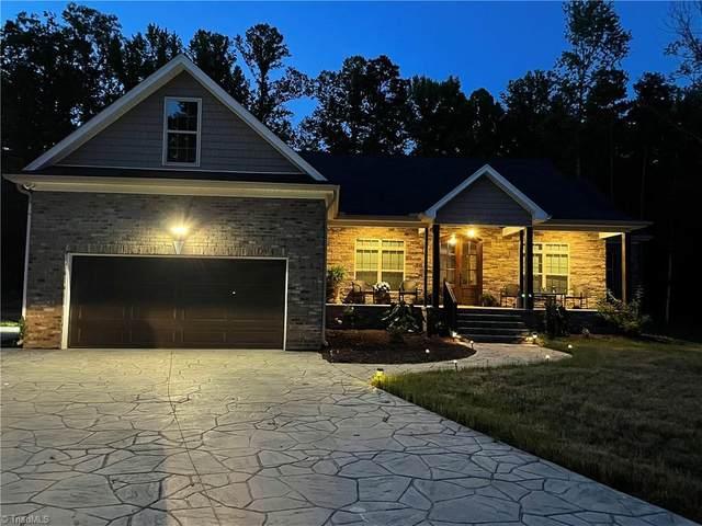 4401 Pine Vista Lane, Greensboro, NC 27406 (MLS #1026851) :: Berkshire Hathaway HomeServices Carolinas Realty