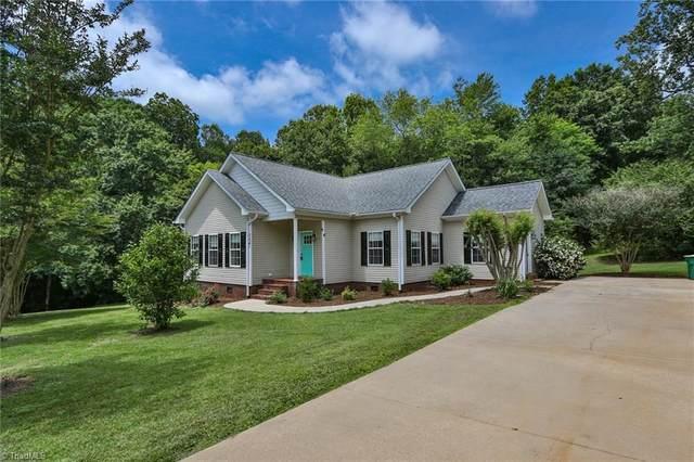 304 Spring Water Drive, Boonville, NC 27011 (MLS #1027344) :: Berkshire Hathaway HomeServices Carolinas Realty