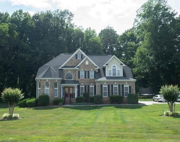 8523 Julina Drive, Oak Ridge, NC 27310 (MLS #1028038) :: Berkshire Hathaway HomeServices Carolinas Realty