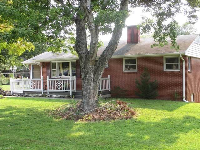 861 S Peace Haven Road, Winston Salem, NC 27103 (MLS #1040801) :: Berkshire Hathaway HomeServices Carolinas Realty
