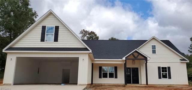 7902 Pate Drive, Oak Ridge, NC 27310 (#1042044) :: Mossy Oak Properties Land and Luxury