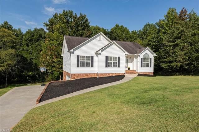 216 Winding Creek Road, Mocksville, NC 27028 (MLS #1042125) :: Berkshire Hathaway HomeServices Carolinas Realty