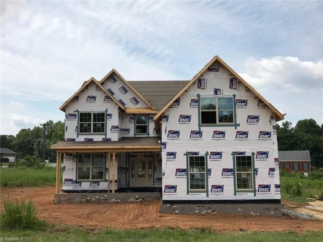 6901 River Gate Court, Oak Ridge, NC 27310 (MLS #843241) :: Kristi Idol with RE/MAX Preferred Properties