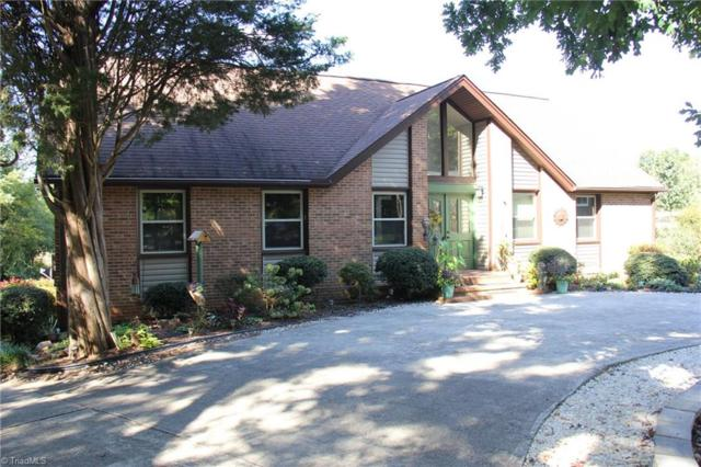 218 Burkewood Drive, Winston Salem, NC 27104 (MLS #852839) :: The Umlauf Group