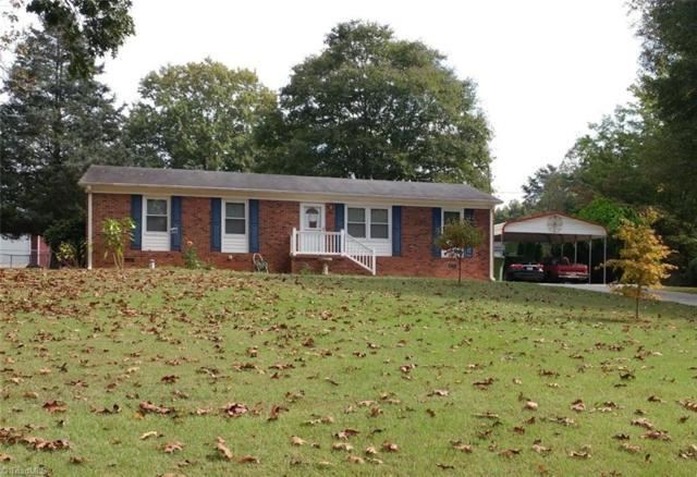 465 Forest Lake Circle, Kernersville, NC 27284 (MLS #854132) :: Kristi Idol with RE/MAX Preferred Properties