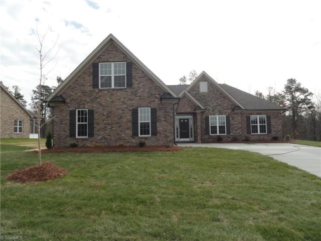 2822 Fallin Court, High Point, NC 27262 (MLS #858196) :: Kristi Idol with RE/MAX Preferred Properties