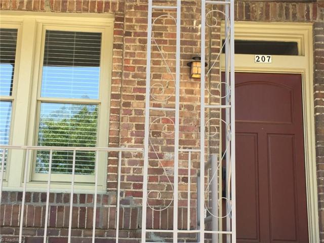 207 Summit Avenue, Greensboro, NC 27401 (MLS #885346) :: Kristi Idol with RE/MAX Preferred Properties