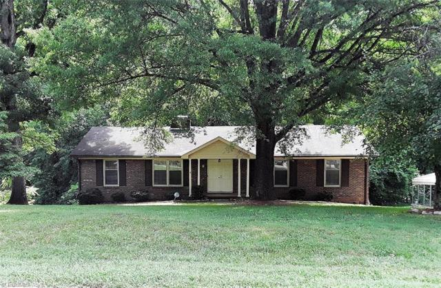 261 Barons Road, Clemmons, NC 27012 (MLS #893403) :: Kristi Idol with RE/MAX Preferred Properties