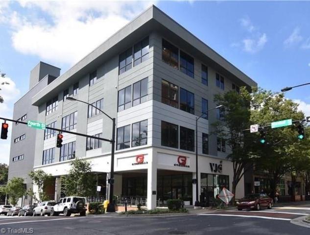 400 W 4th Street #401, Winston Salem, NC 27101 (MLS #904746) :: Kristi Idol with RE/MAX Preferred Properties