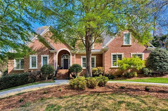2904 Swan Lake Drive, High Point, NC 27262 (MLS #972359) :: Berkshire Hathaway HomeServices Carolinas Realty
