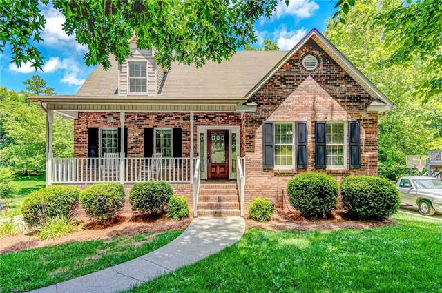 6721 Fairwood Court, Clemmons, NC 27012 (MLS #981566) :: Berkshire Hathaway HomeServices Carolinas Realty