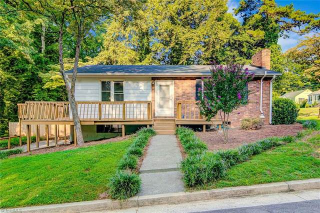 200 Carolina Circle, Winston Salem, NC 27104 (MLS #989675) :: Ward & Ward Properties, LLC