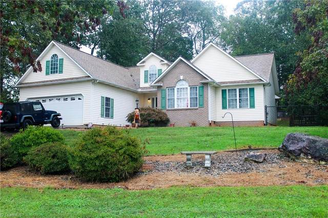 426 Shingle Gap Road, Purlear, NC 28665 (MLS #997393) :: Ward & Ward Properties, LLC