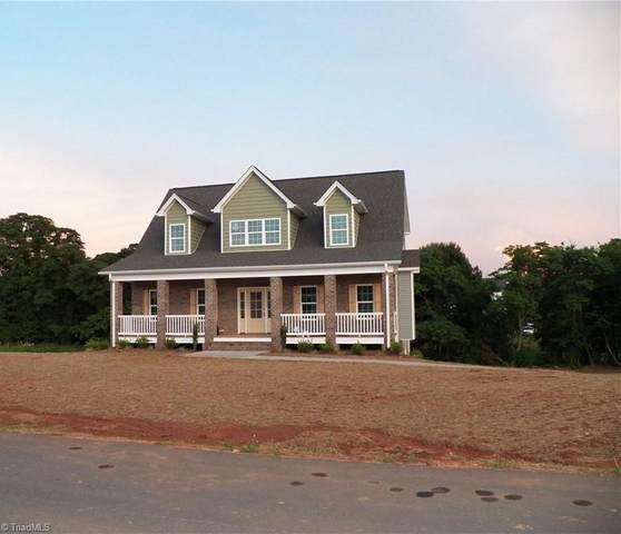 9412 White Tail Trail, Kernersville, NC 27284 (MLS #1028572) :: Berkshire Hathaway HomeServices Carolinas Realty