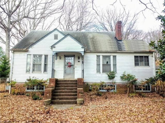 636 N Peace Haven Road, Winston Salem, NC 27104 (MLS #860649) :: Banner Real Estate