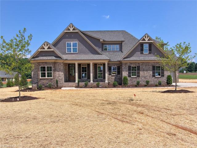 3202 Pasture View Drive, Summerfield, NC 27358 (MLS #883298) :: Kristi Idol with RE/MAX Preferred Properties