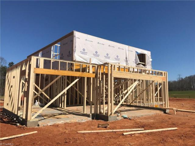 126 Gracie Lane, Clemmons, NC 27012 (MLS #924944) :: Kristi Idol with RE/MAX Preferred Properties