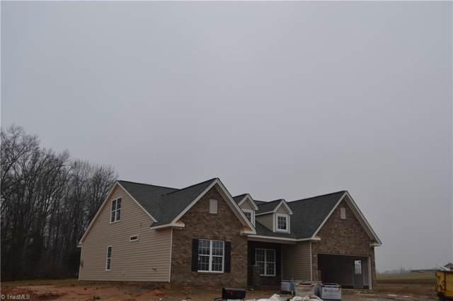 5011 Labella Court, Kernersville, NC 27284 (MLS #955742) :: Ward & Ward Properties, LLC