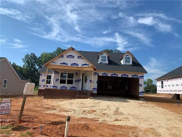 114 Brooke Ridge Drive, Thomasville, NC 27360 (MLS #1027156) :: Ward & Ward Properties, LLC