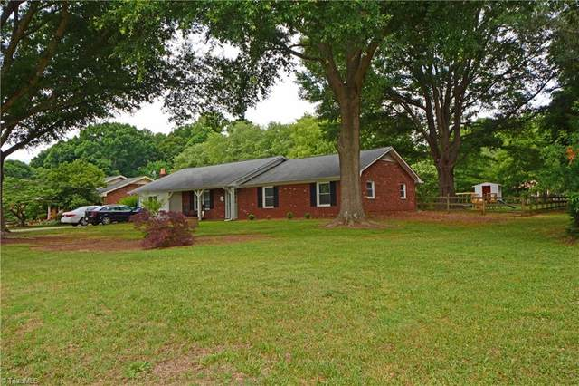 6030 Bobbybrook Drive, Clemmons, NC 27012 (MLS #1028402) :: Hillcrest Realty Group