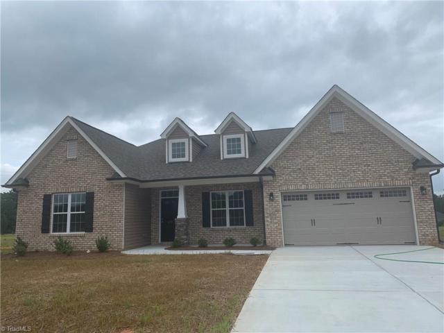 127 Gracie Lane, Clemmons, NC 27012 (MLS #926639) :: Berkshire Hathaway HomeServices Carolinas Realty