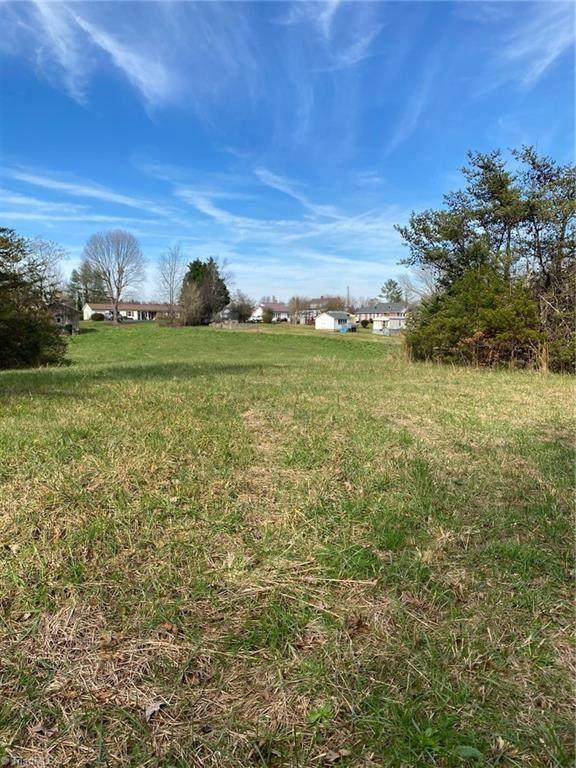 Boone Trail, North Wilkesboro, NC 28659 (#004661) :: Premier Realty NC
