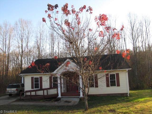 206 Bevel Jones Court, Yadkinville, NC 27055 (MLS #004878) :: Greta Frye & Associates   KW Realty Elite