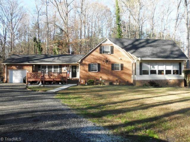 9201 Warren Road, Kernersville, NC 27284 (#004892) :: Premier Realty NC