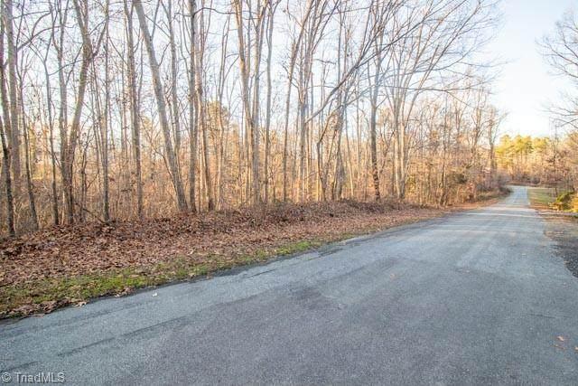 6704 Chadmoor Court, Greensboro, NC 27406 (MLS #1007543) :: Ward & Ward Properties, LLC