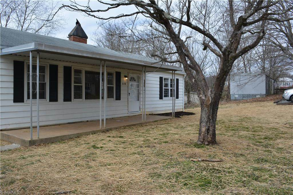 229 Old Traphill Road - Photo 1