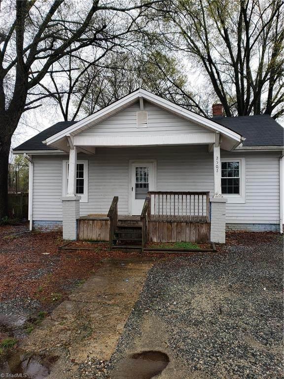 2502 E Bessemer Avenue, Greensboro, NC 27405 (MLS #1017814) :: Berkshire Hathaway HomeServices Carolinas Realty