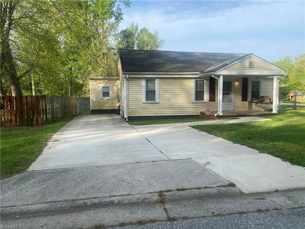 3813 Twin Oak Drive - Photo 1