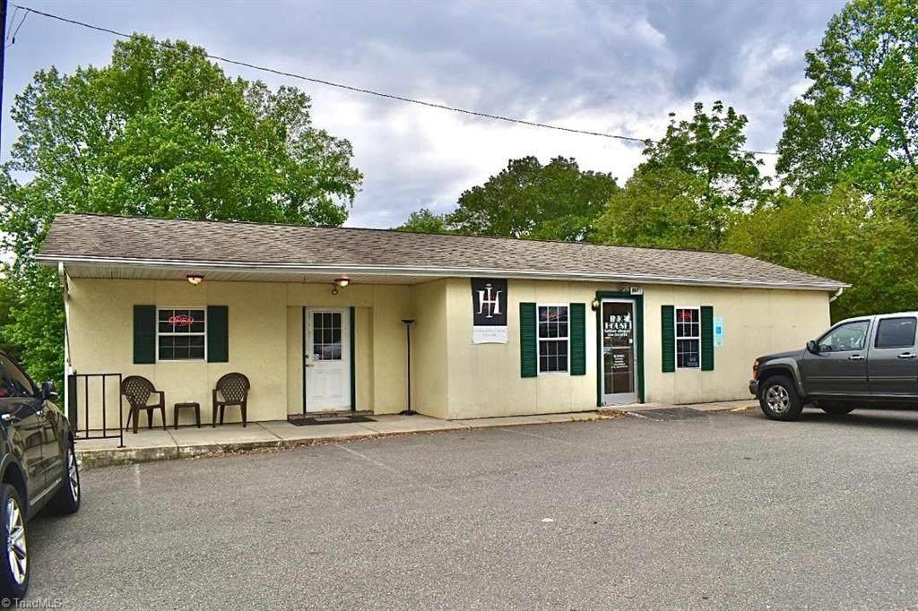 867 Franklin Road - Photo 1
