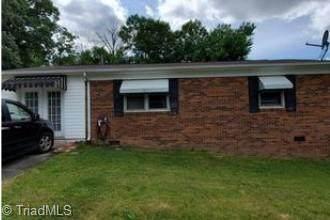 215 Hinkle Street, Thomasville, NC 27360 (MLS #1028157) :: Berkshire Hathaway HomeServices Carolinas Realty