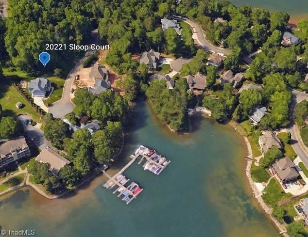 20221 Sloop Court, Cornelius, NC 28031 (MLS #1028488) :: Hillcrest Realty Group