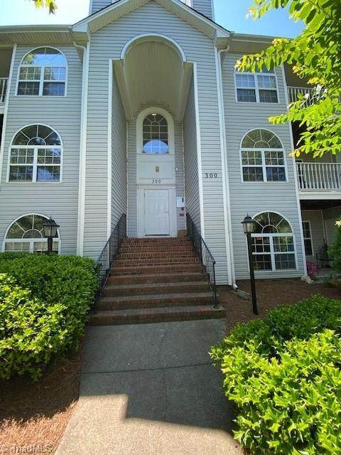 334 Quietwood Drive, Winston Salem, NC 27103 (MLS #1030227) :: Hillcrest Realty Group
