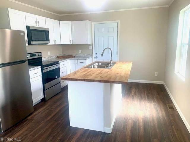 230 Friendly Avenue, High Point, NC 27260 (#1030762) :: Rachel Kendall Team